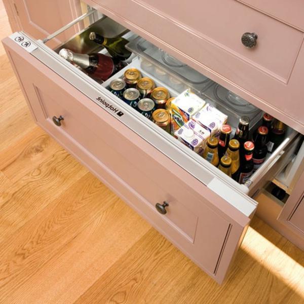 weißer-Kühlschrank-Schubladen-Küche-Idee-kleine-Küche