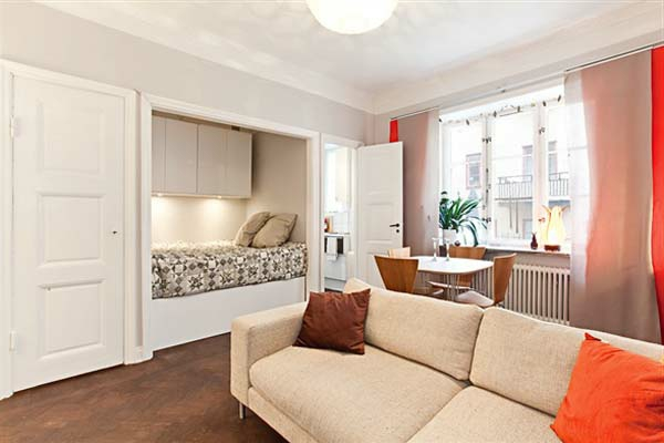 wohnideen-für- kleine-wohnung-modernes-wohnzimmer-mit-einem-sofa