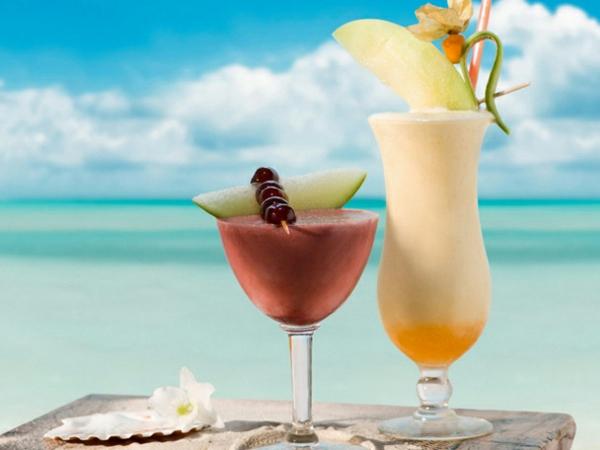 zwei-cocktails-am-strand-dekoidee