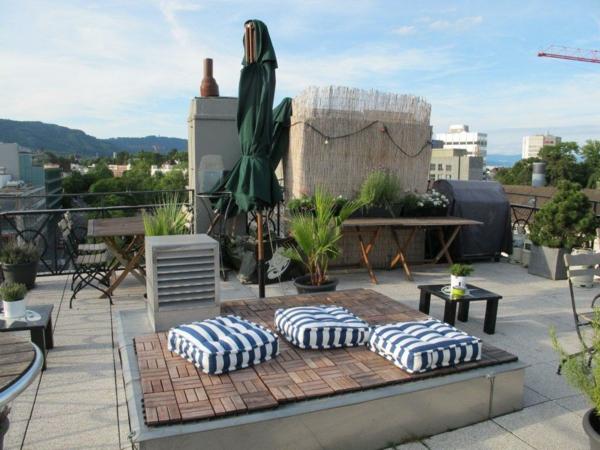 Außenmöbel-für-die-Dachterrasse-Kissen