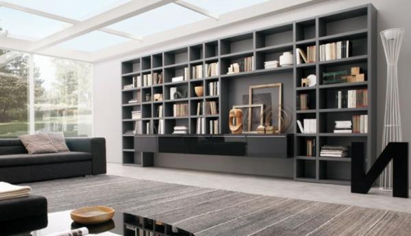 viele Bücherregale-im-Wohnzimmer
