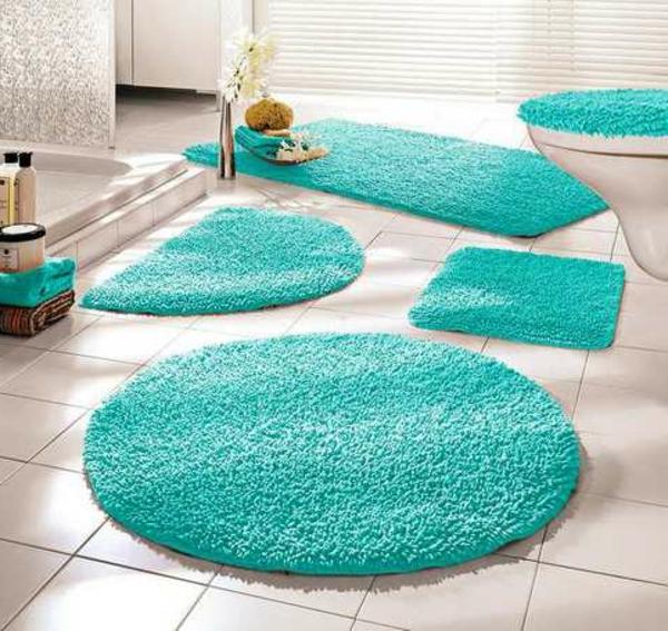 Badematten-Badteppiche-in-Türkis-Badezimmergestaltung