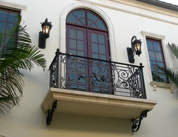 Balkon-Design-Idee-Geländer-Eisen