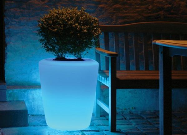 Beleuchteter blumentopf fantastische beispiele for Blaue blumentopfe