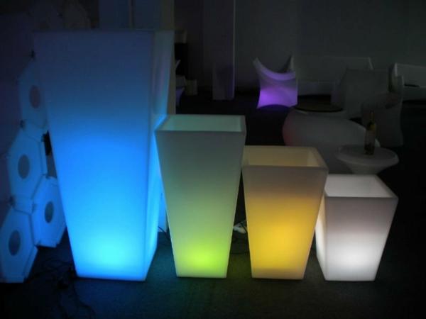 Dekoidee-Blumentopf-Ideen-farbige-Beleuchtung