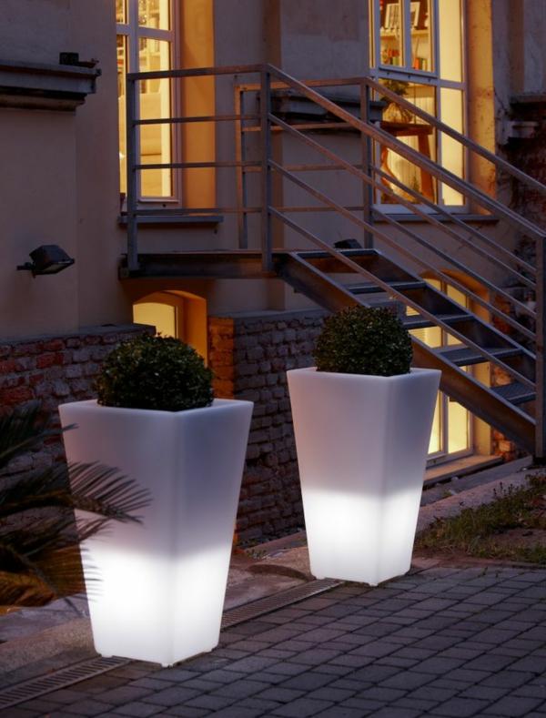 Blumentopf-Deko-Ideen-weiße-Beleuchtung-