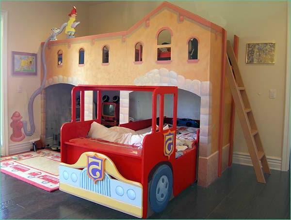 Bus-Außergewöhnliche-Betten-für-Kinder