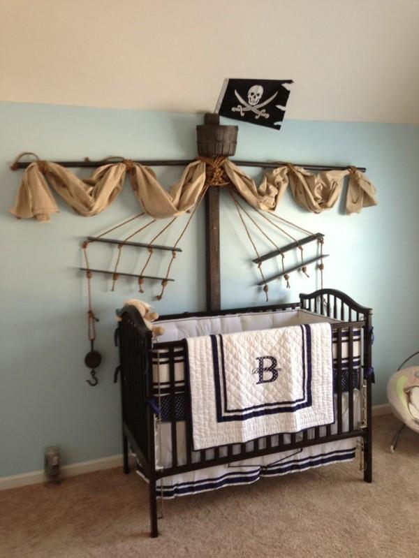 Deko-für-das-Babyzimmer-Piratenschiff