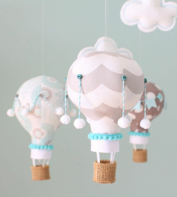Dekoration-für-das-Babyzimmer-hängende-Ballons