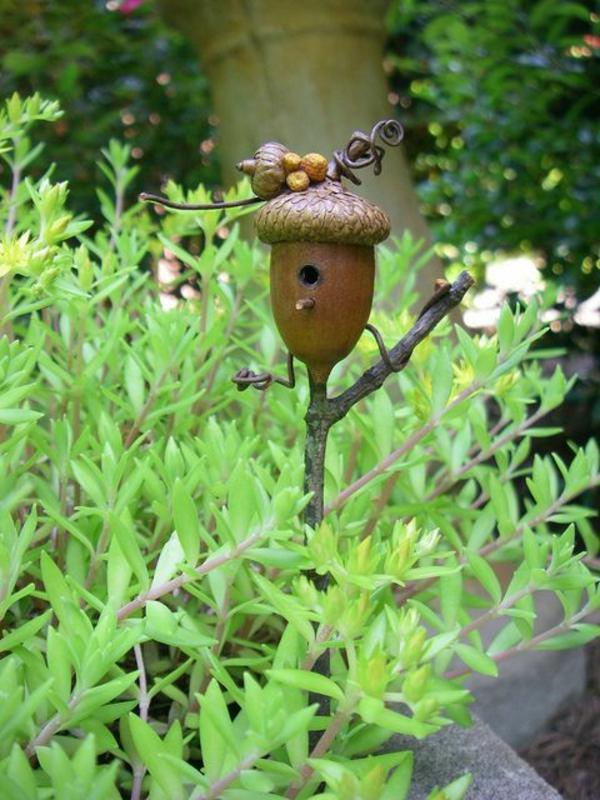 Eichel-Futterhaus-für-Vogel-aus-Holz-Idee