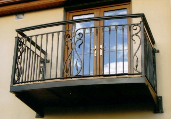 Exterior-Design-Balkongeländer