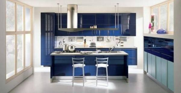 Fantastische-Küchengestaltung-moderne-Küche-mit-Insel