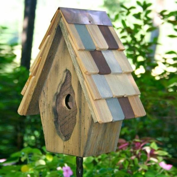 Futterhaus-für-Vogel-selber-bauen-im-Garten
