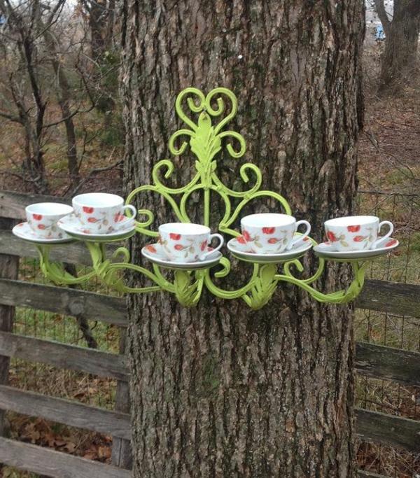 Gartendekoration-Ideen-Teetassen-Baumdeko