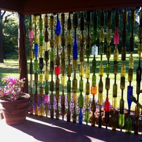 Gartenzaun-Ideen-farbigen-Gläser
