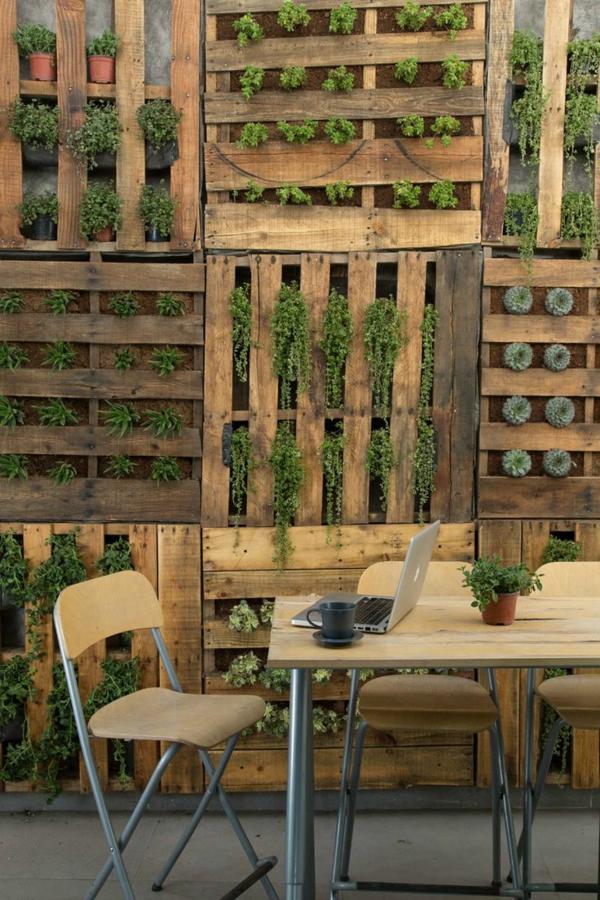 Kreative gartenzaun ideen - Gartenzaun aus paletten ...