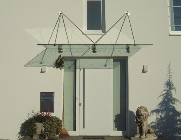 Glasvordächer-Eingang-Design-aus-Glas-Idee