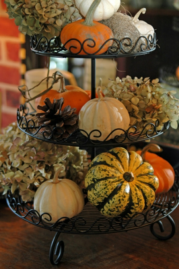 Herbstdeko-selber-machen-Kürbisse-Zapfen