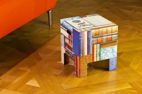 Hocker-aus-Pappe-buntes-Design-Idee