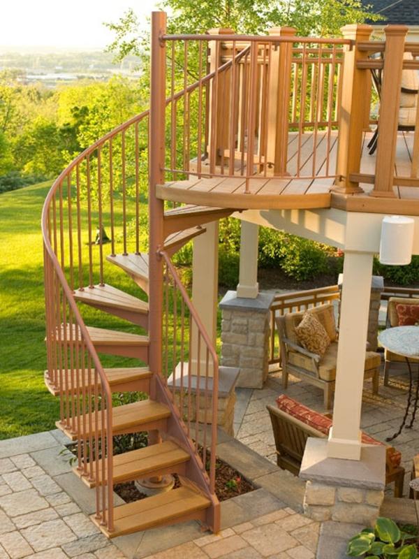 Holztreppen-für-Draußen-aus-Holz