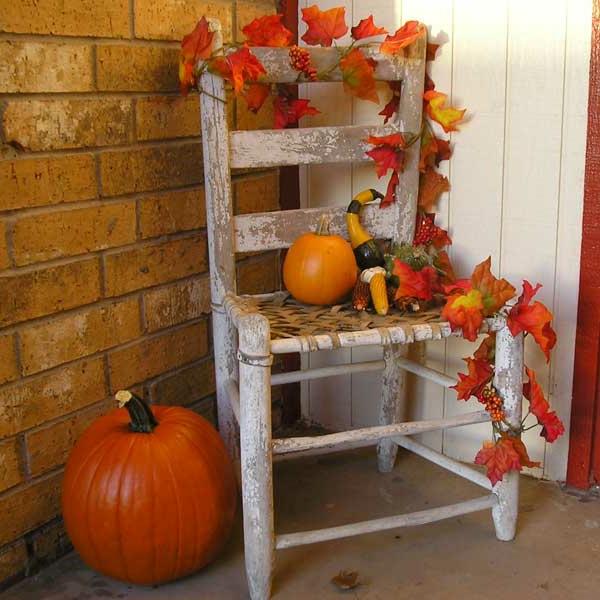 Ideen-für-Dekoration-Herbst-rote-Blätter