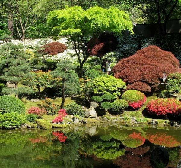 Japanische-Gärten-im-Herbst-mit-Teich
