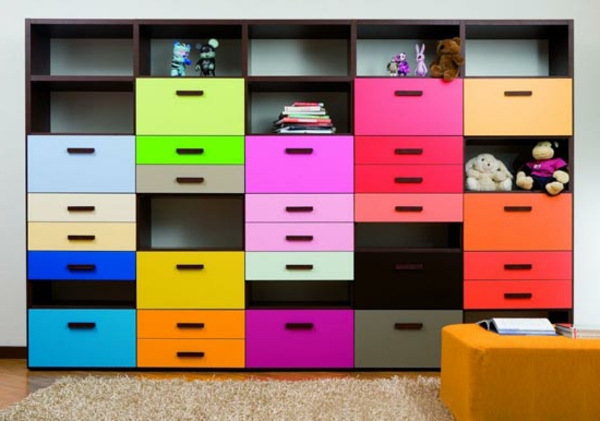 Ikea Algot Wall Upright Shelves ~ Kinderzimmer Design Ideen bunte Regale und Schubladen