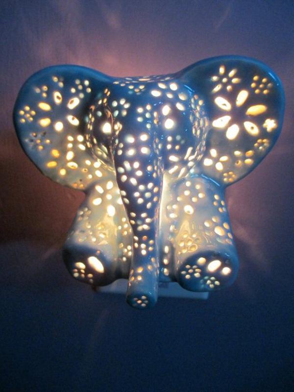 coole-Lampe-für-das-Kinderzimmer-Elefant