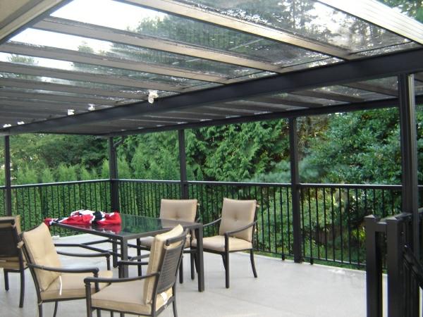 Metall überdachung effektvolle ideen für eine überdachung aus glas archzine