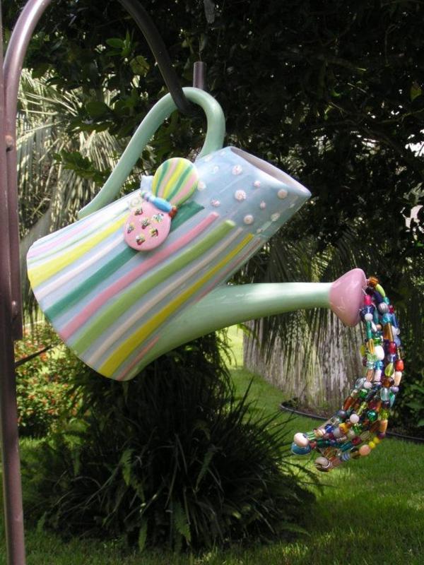 -Originelle-Garten-Dekoration-Gießkanne