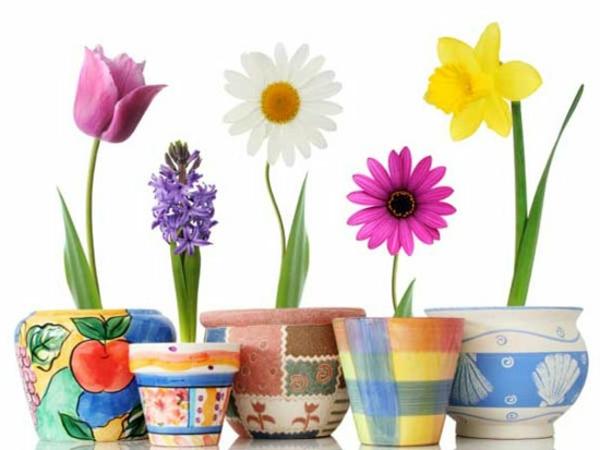 bemalte tolle Blumentöpfe