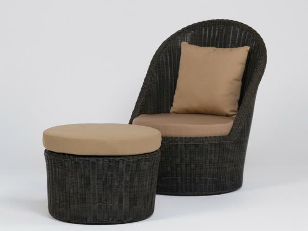 tolle-Polyrattan-Möbel-Stühl-mit-Hocker