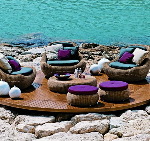 coolesPolyrattan-Möbelset-mit-lila-Sitzkissen