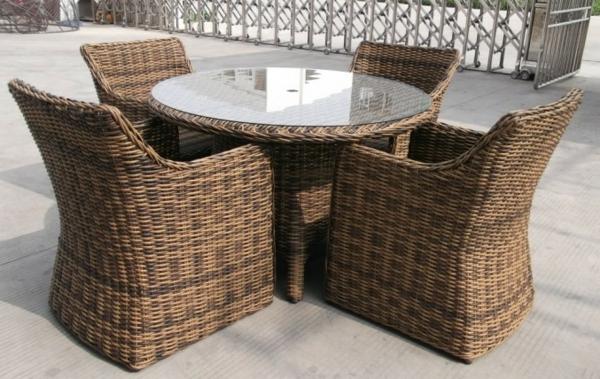 Rattan-Tische-für-den-Garten-Design-Idee