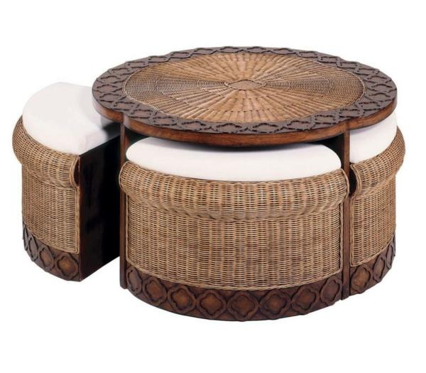 Rattan-Tische-mit-Hockern