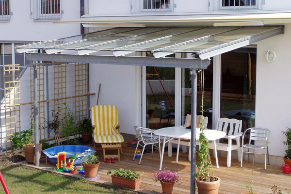 effektvolle ideen f r eine berdachung aus glas. Black Bedroom Furniture Sets. Home Design Ideas