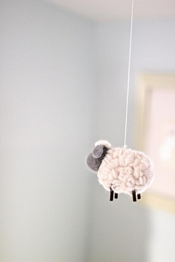 Schaf-originelle-Deko-für-Babyzimmer