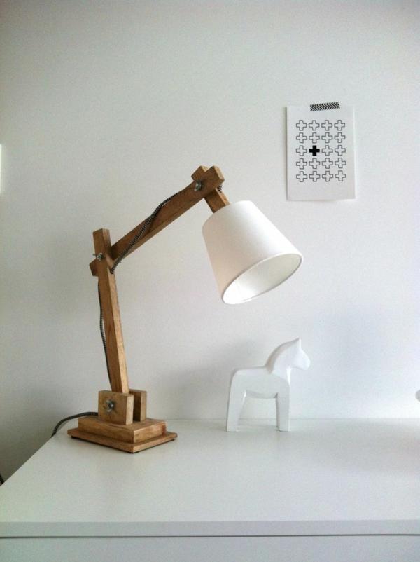 Schreibtischampen-aus-Holz-