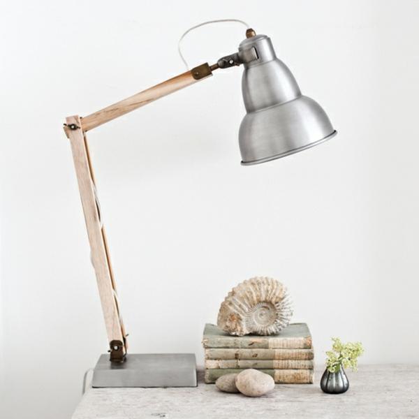 Schreibtischlampe-aus-Holz-und-Blech-Idee