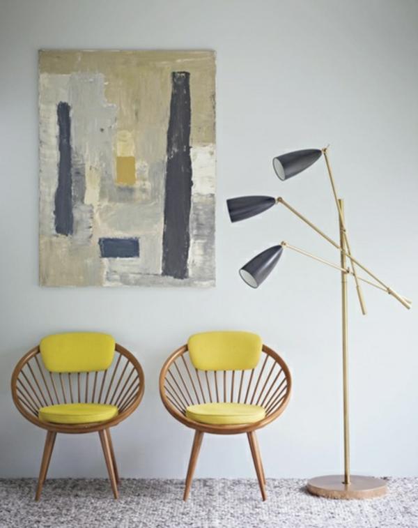 Stühle-in-gelber-Farbe-im-Haus-Idee