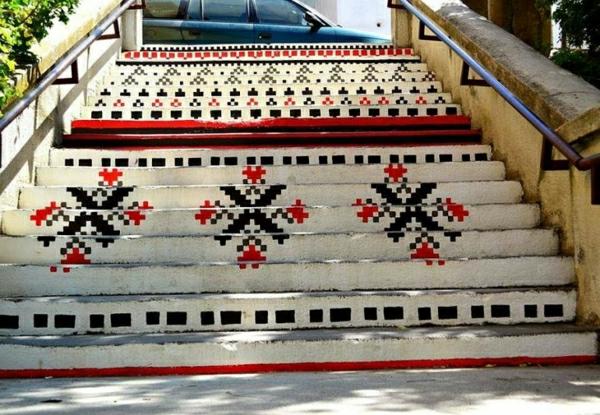Straßenart-originell-gestaltete-Treppen