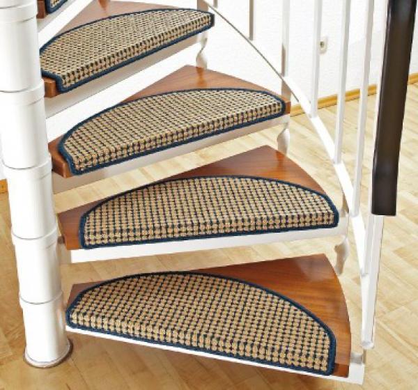 Stufenmatte-in-Beige-Treppenstufen