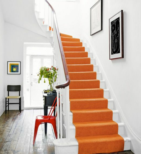 wundervoller-Teppich-Treppe-in-Orange