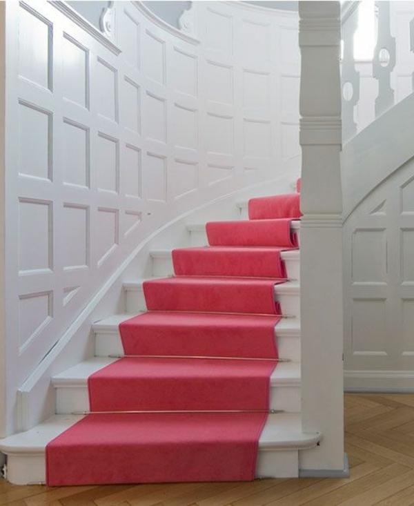 schöner-Teppich-für-Treppen-in-Rosa