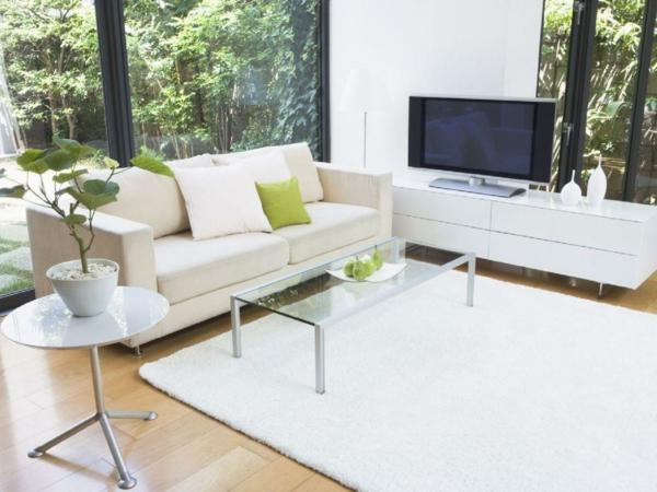 Teppich-in-weißer-Farbe-