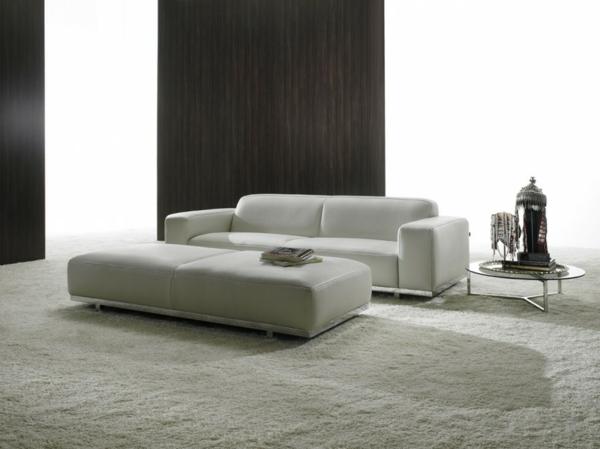 Teppich-in-weißer-Farbe-im-Wohnzimmer