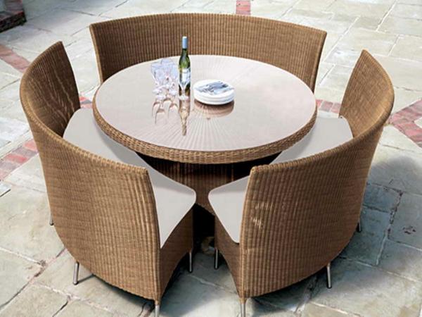 Rattan tisch viele tolle beispiele - Gartenmobel runder tisch ...