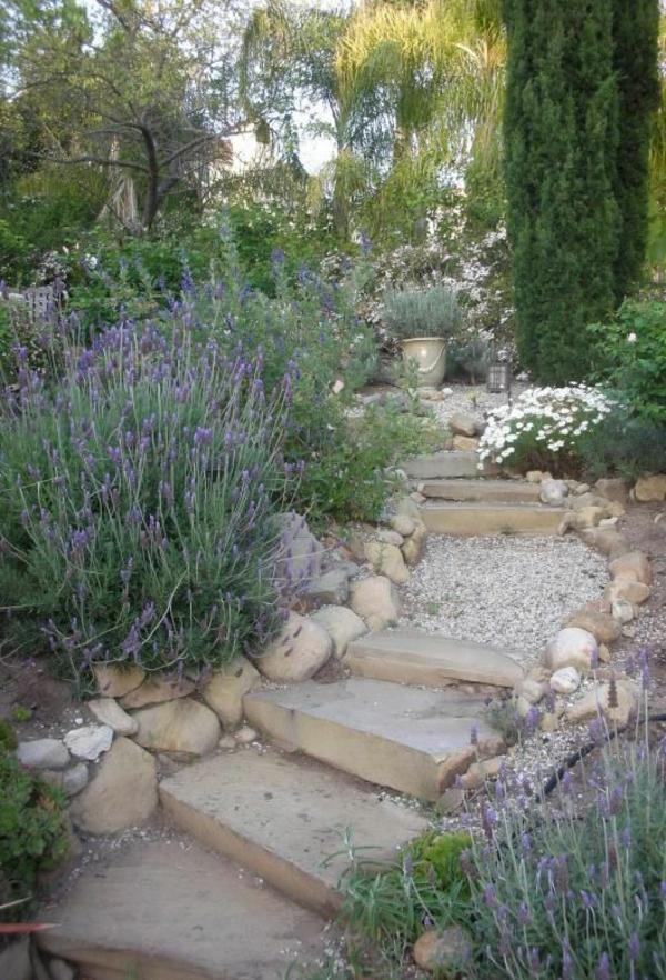 Treppen-aus-Steinen-Design