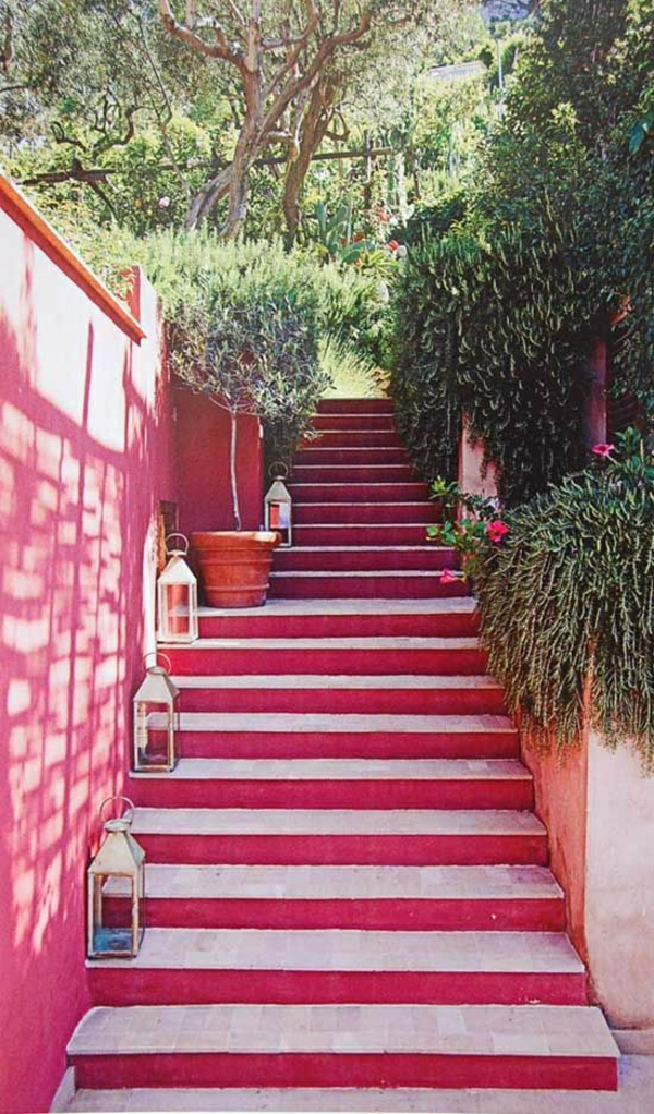Treppen-in-rosa-Farbe-Designidee