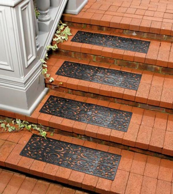 Treppenstufenmatten-für-die-Außentreppe-Idee